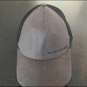 Oakley cap 🔥